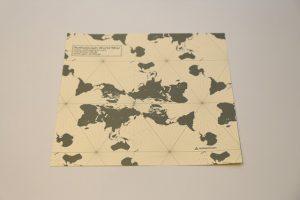 Der mosaikartige Aufbau erlaubt eine unendliche Weiterführung der Karte
